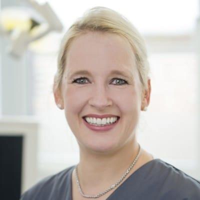 Dr. Maren Grodde | allgemeine Zahnheilkunde, Schwerpunkt Parodontologie, ästhetische Zahnmedizin